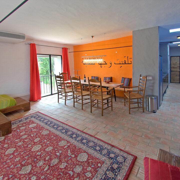 Appartement Xelb, met Arabische accenten.