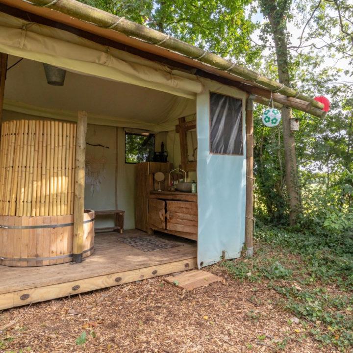 Aparte tent voor de badkamer