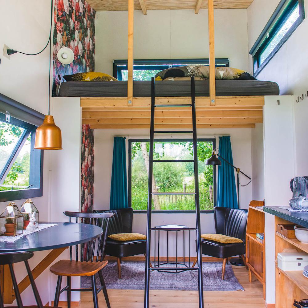 Hip interieur van een van de accommodaties op de camping