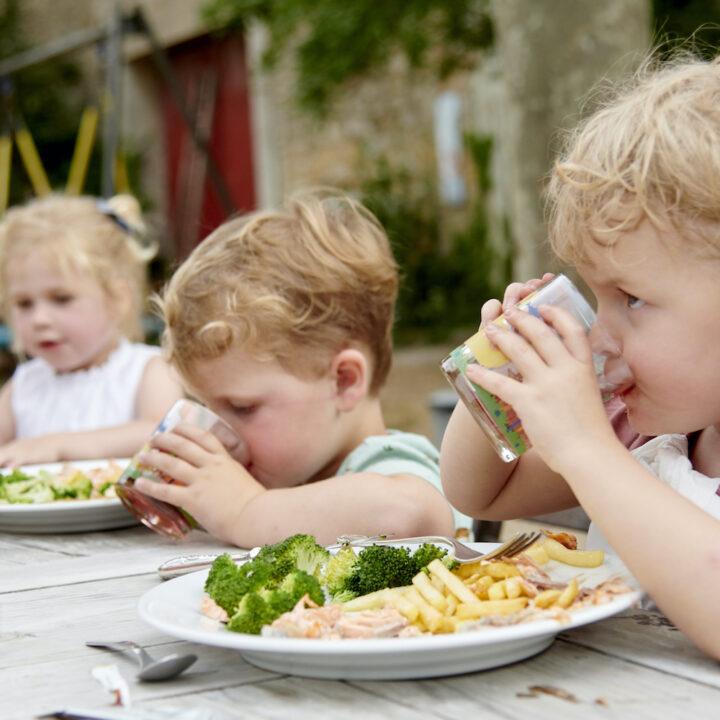 Het echte vakantiegevoel; buiten eten en leven...