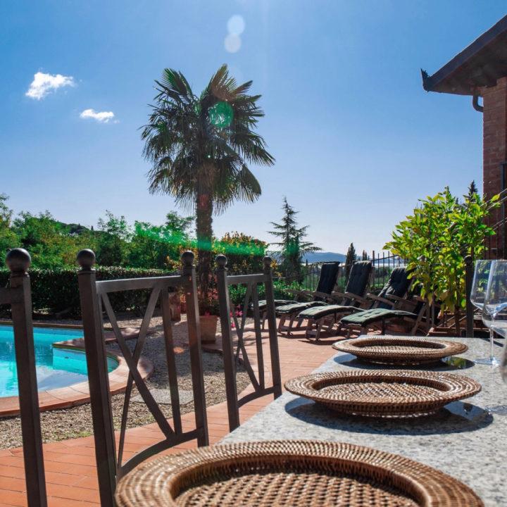 Moderne en comfortabele villa aan het Trasimeense meer, gelegen in het dorp Tuoro sul Trasimeno.