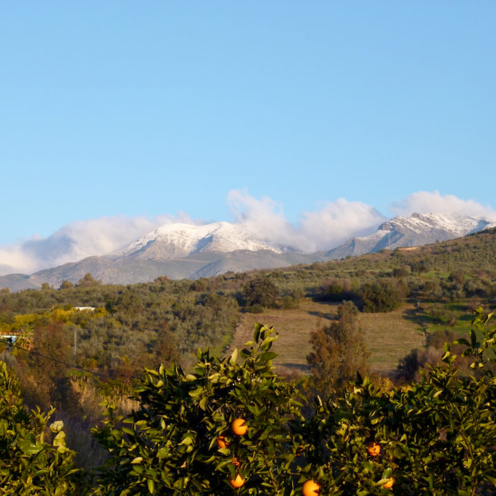 Besneeuwde bergtoppen in Andalusië