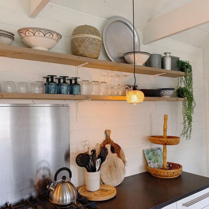 De open keuken van het Huisje van Hout.