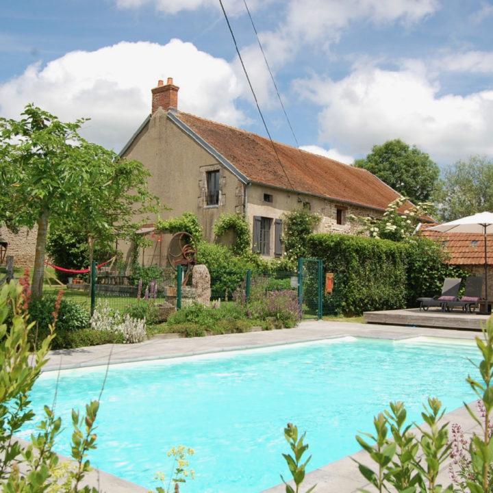 Zwembad van vakantiedomein in Frankrijk
