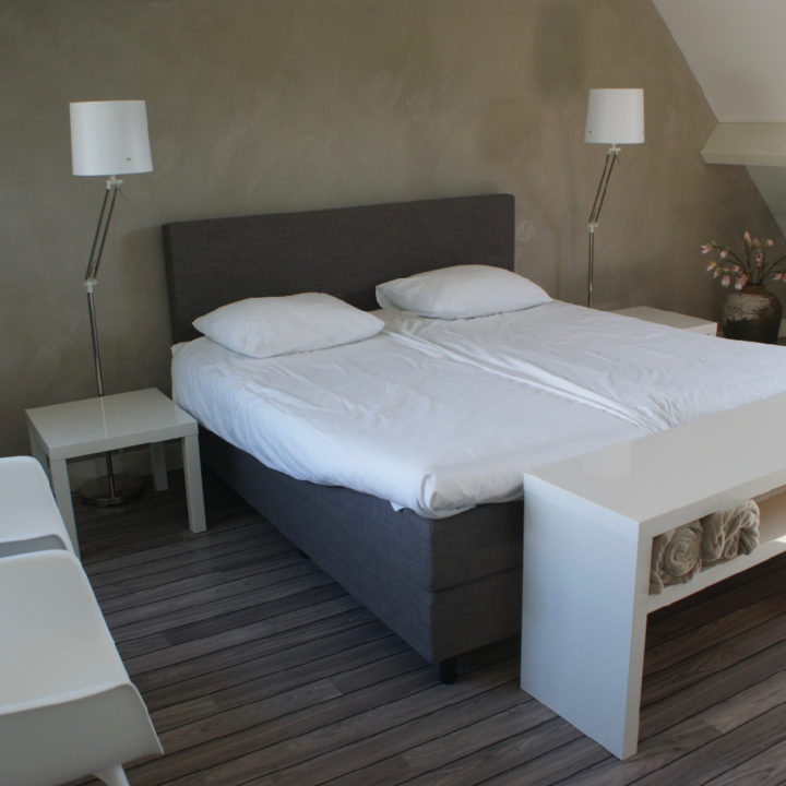 Een van de gastenkamers in het vakantiehuis