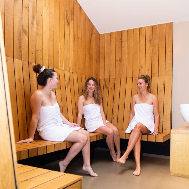 Ontspannen na een moment in de sauna
