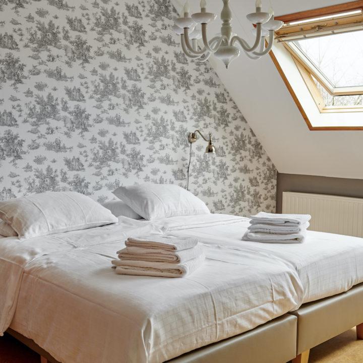 Slaapkamers met ruimte genoeg voor een extra bedje.