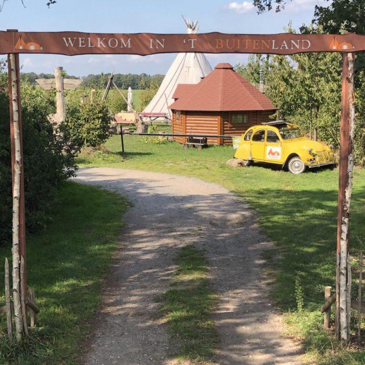 Lelijk geel eendje voor een Finse Kota, een bijzonder weekendje weg