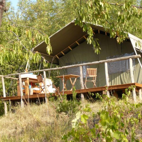 Safaritent met houten veranda