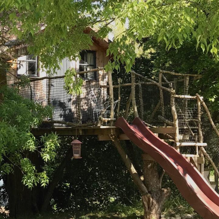 Hoe tof, logeren in een boomhut!