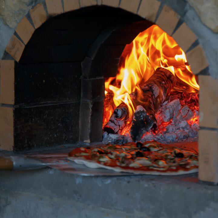 Schuif aan voor de pizza avond!