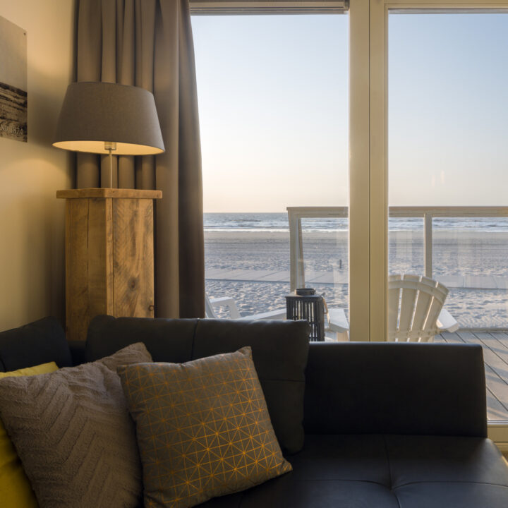 Zonsondergang bewonderen vanuit je strandvilla