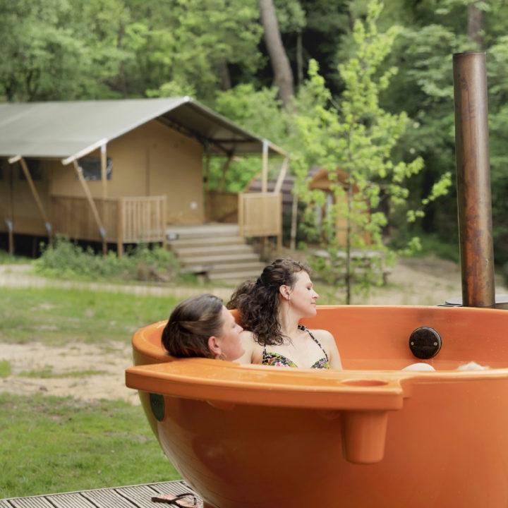 Safaritent met hot tub te huur in de bossen bij de Veluwe