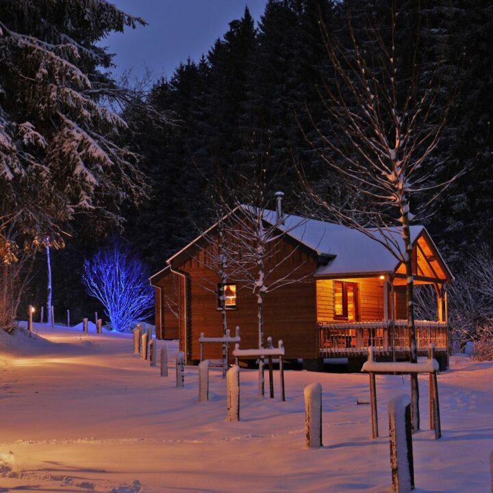 Cabin in de sneeuw