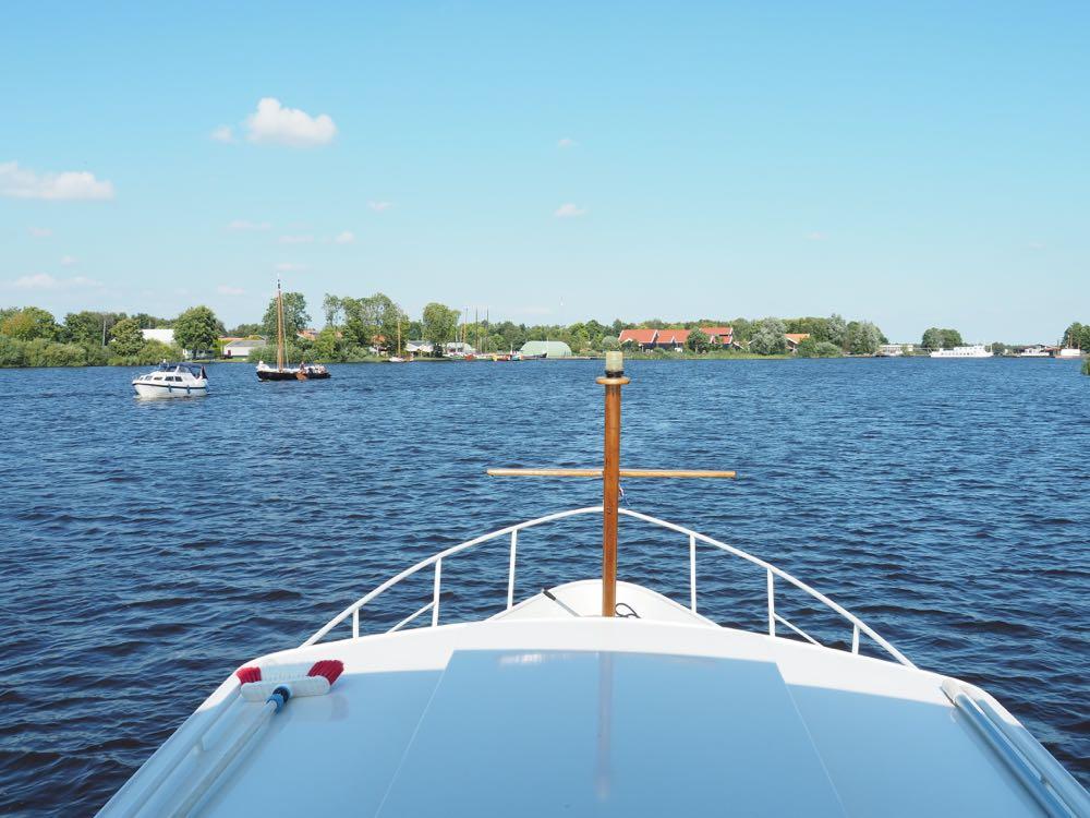 Varen op de Friese Meren met een yacht