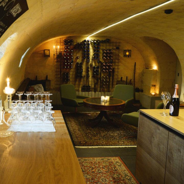 Wijnbar in de kelder van de B&B