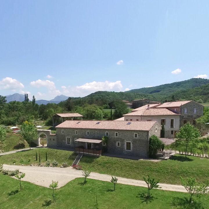 Boerderij met appartementen in Zuid-Frankrijk