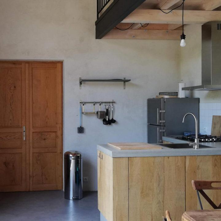 Woonkeuken in een appartement in Zuid-Frankrijk