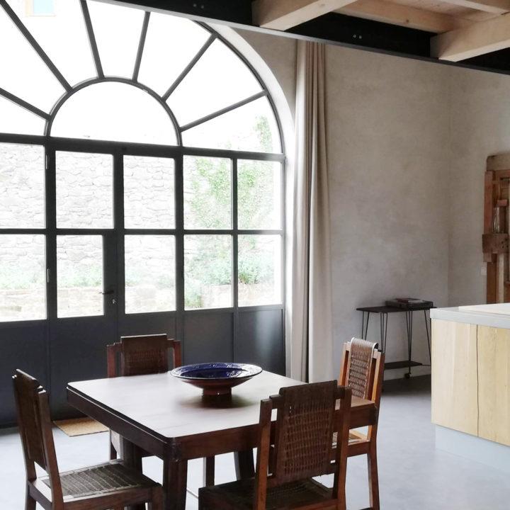 Eethoek in een vakantiehuis in de Provence
