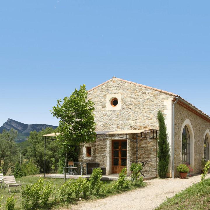 Gerenoveerde boerderij met appartementen in Zuid-Frankrijk