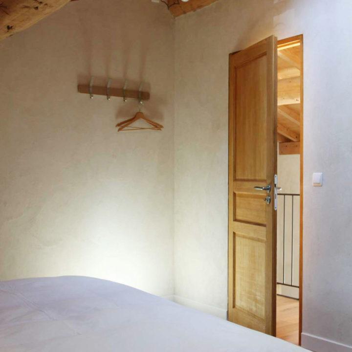 Basic chic interieur van een appartement in Zuid-Frankrijk