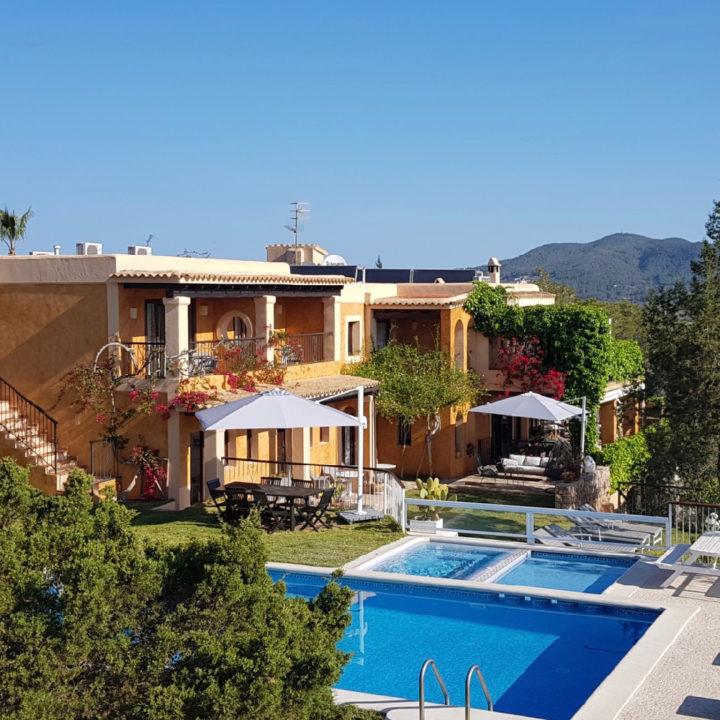 Hotel met zwembad op Ibiza