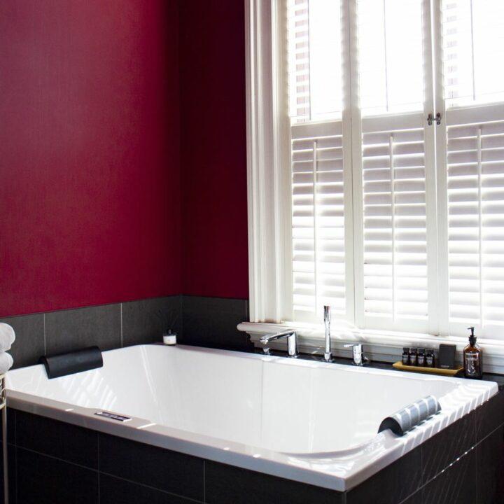 Luxe bad in de LOVE suite in het hotel