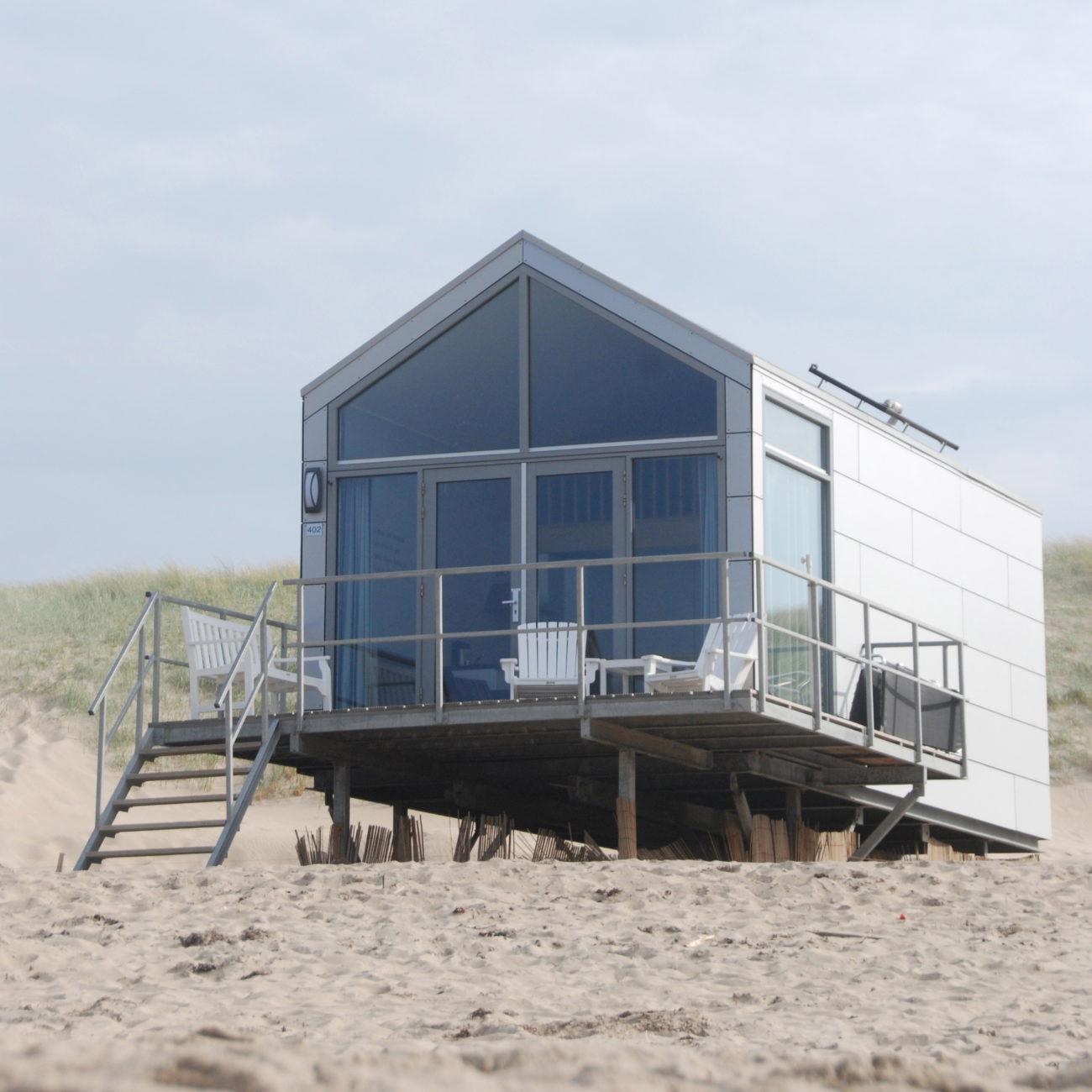 Vakantiehuisje op het strand. Een van de strandhuisjes van Landal in Julianadorp.