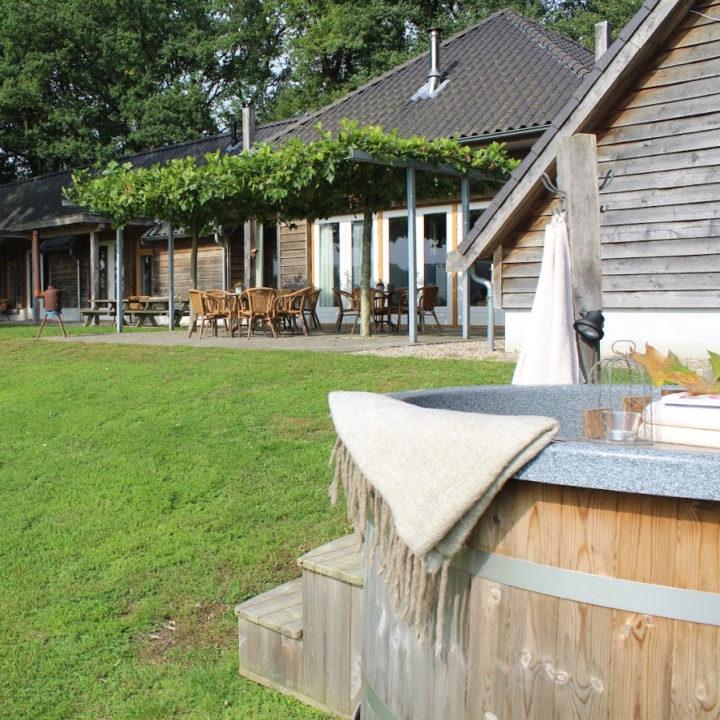 Groepsaccommodatie met hot tub en groot terras