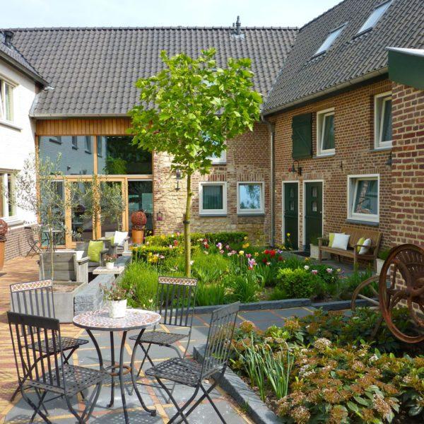 Bed and breakfast Dalauro ligt op een heuvel en is gevestigd in een prachtige Zuid-Limburgse boerderij.