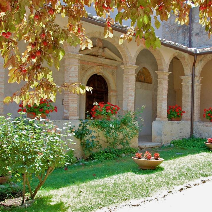Oud Francescaans klooster (12e eeuw) in Lugnano, op een uur van Rome.