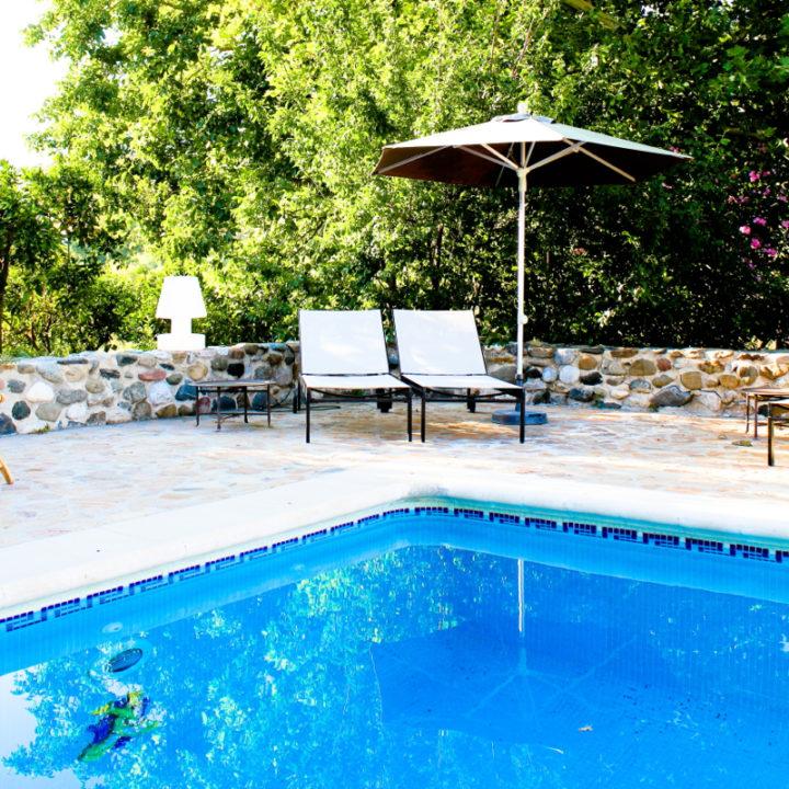 Het zwembad bij Hotel El Molino. Genieten voor jong en oud!