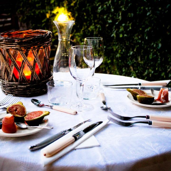 Op verzoek wordt er voor je gekookt. Kinderen kunnen samen vooraf eten met een speciaal kindermenu.