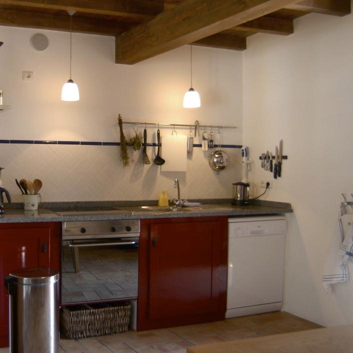 De vakantiehuizen hebben een compleet uitgeruste keuken