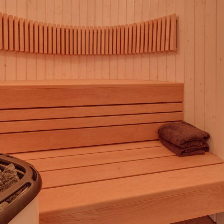 Sauna in een boomhut