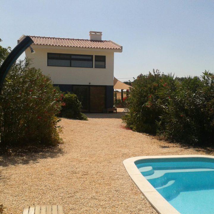 De villa met eigen zwembad in de glooiende heuvels van de Alentejo.