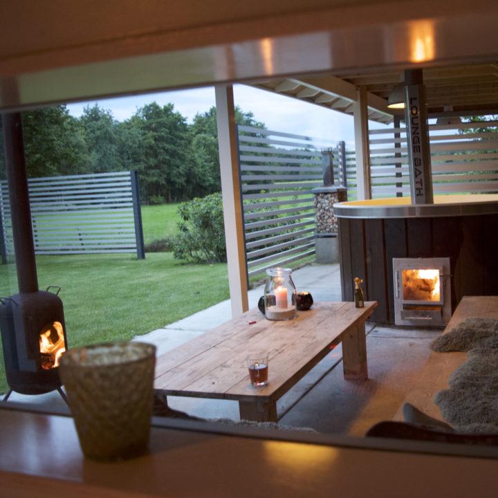 Sauna, hot tub en buitenkachel.
