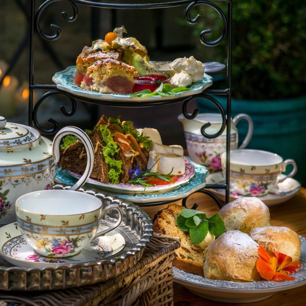 De high tea van Dennenoord is beroemd!