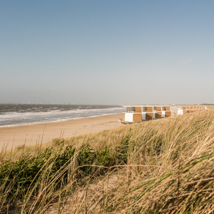 Strandhuisjes op het Zeeuwse strand, genieten met een grote G.