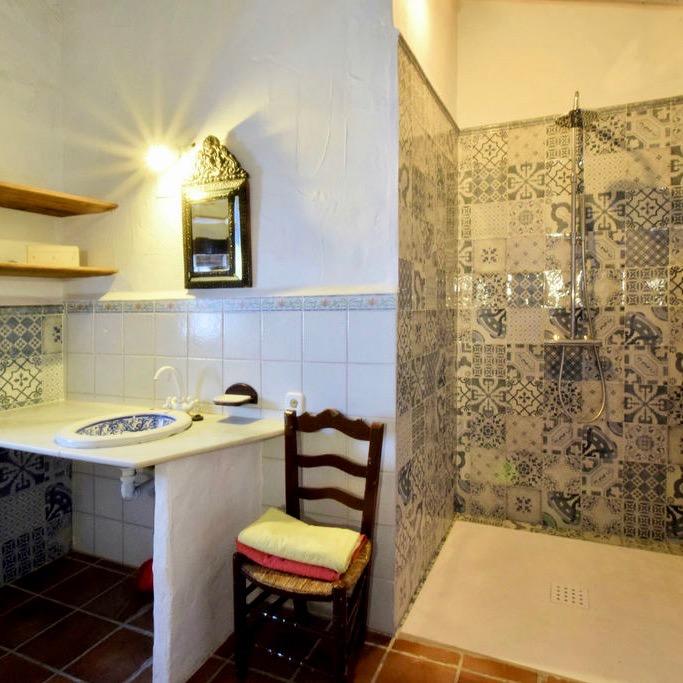 Een van de badkamers in het Spaanse vakantiehuis