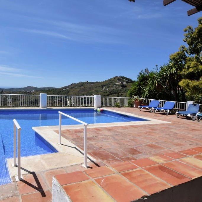Zwembad bij het vakantiehuis in Andalusië