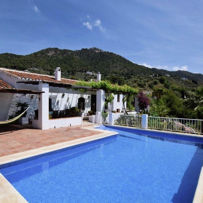 In de heuvels bij Frigiliana ligt dit heerlijke vakantiehuis met privé zwembad.