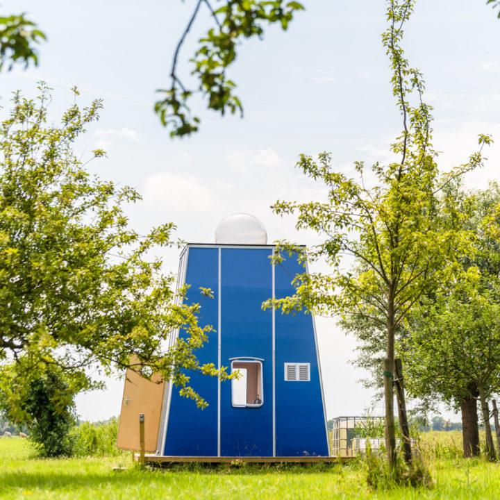 Vakantie in Zuid-Holland in een bijzondere glamping accommodatie, een design tiny house