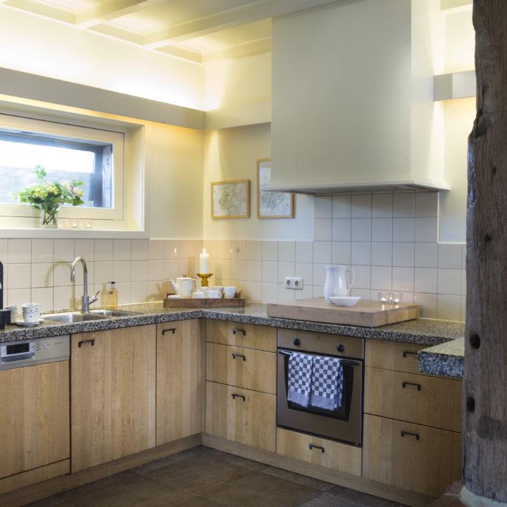 Landelijke keuken in het Brabantse vakantiehuis