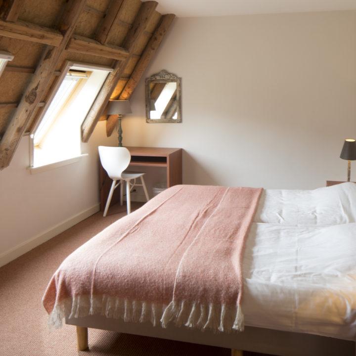 Sfeervol ingerichte slaapkamer in het vakantiehuis