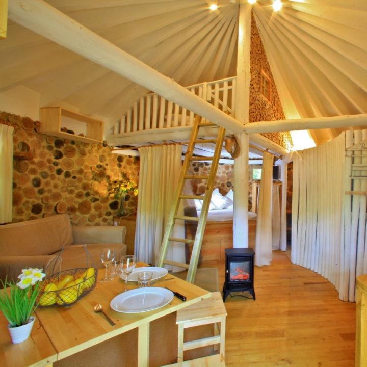 Luxe boomhut bij Cabanes de Jeanne