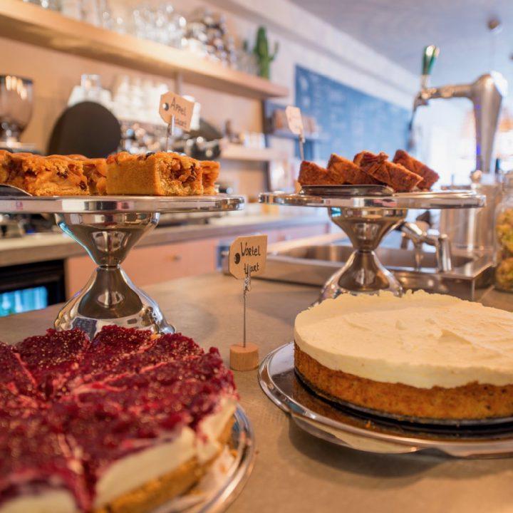 Taarten en cake bij Leut op Vlieland