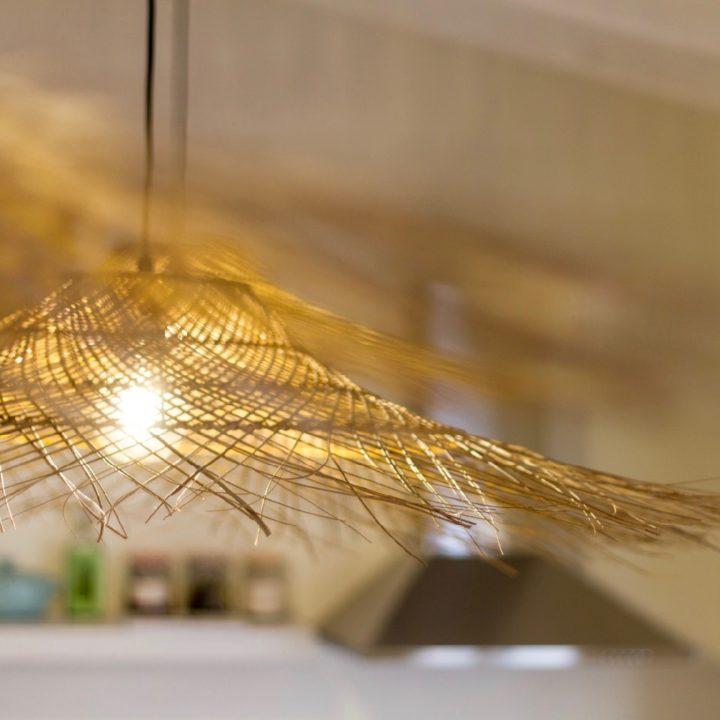 Gouden lampen in de B&B kamer