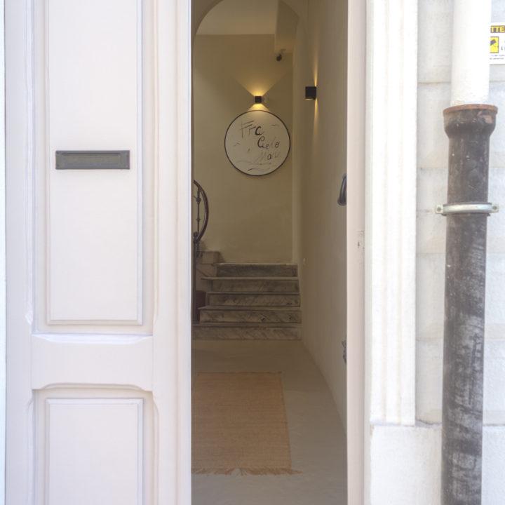 Voordeur van de B&B in Cagliari