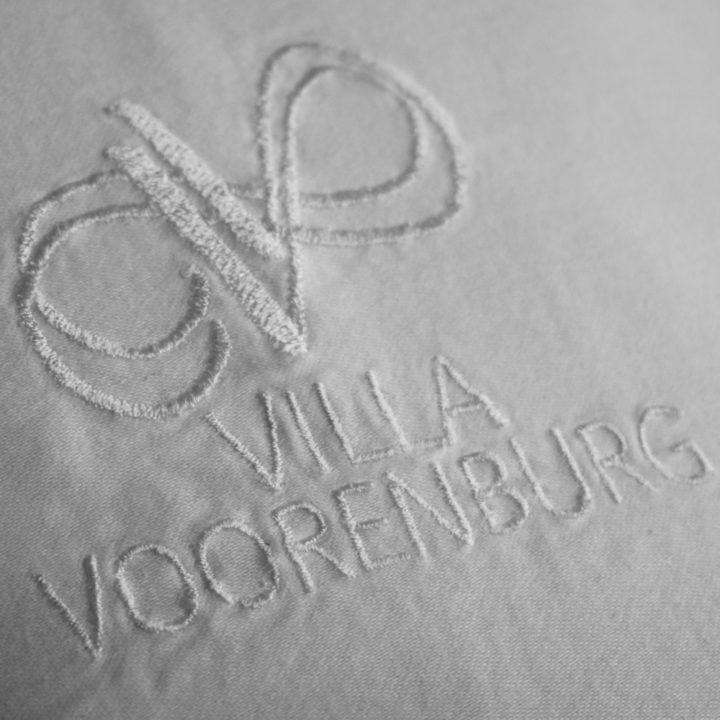 Handdoek met Villa Voorenburg insigne